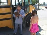 Малышка трахается с водилой автобуса