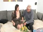 Дед трахает свою толстую женушку