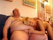 Толстяк трахает молоденькую блонду