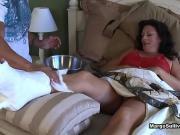 Помог мамке снять напряжение